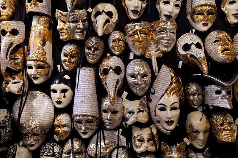 Welche venezianischen Masken sind besonders beliebt?