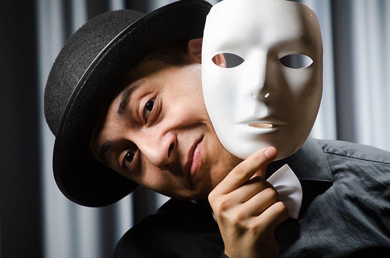 Die Maske im Theater - das Markenzeichen der Schauspieler